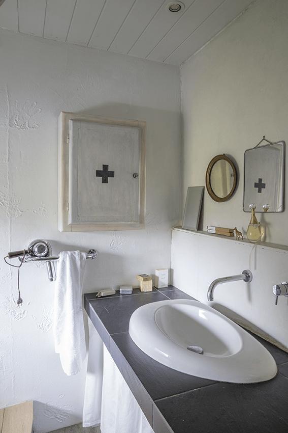 salle de bain dans maison normande, maison colombage