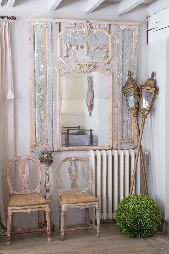 chaises suédoises maison de campagne à la décoration style gustavien