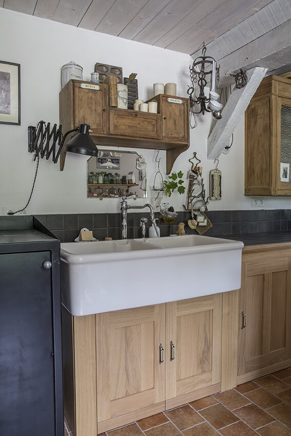 Matériaux authentiques cuisine maison à colombages Normandie