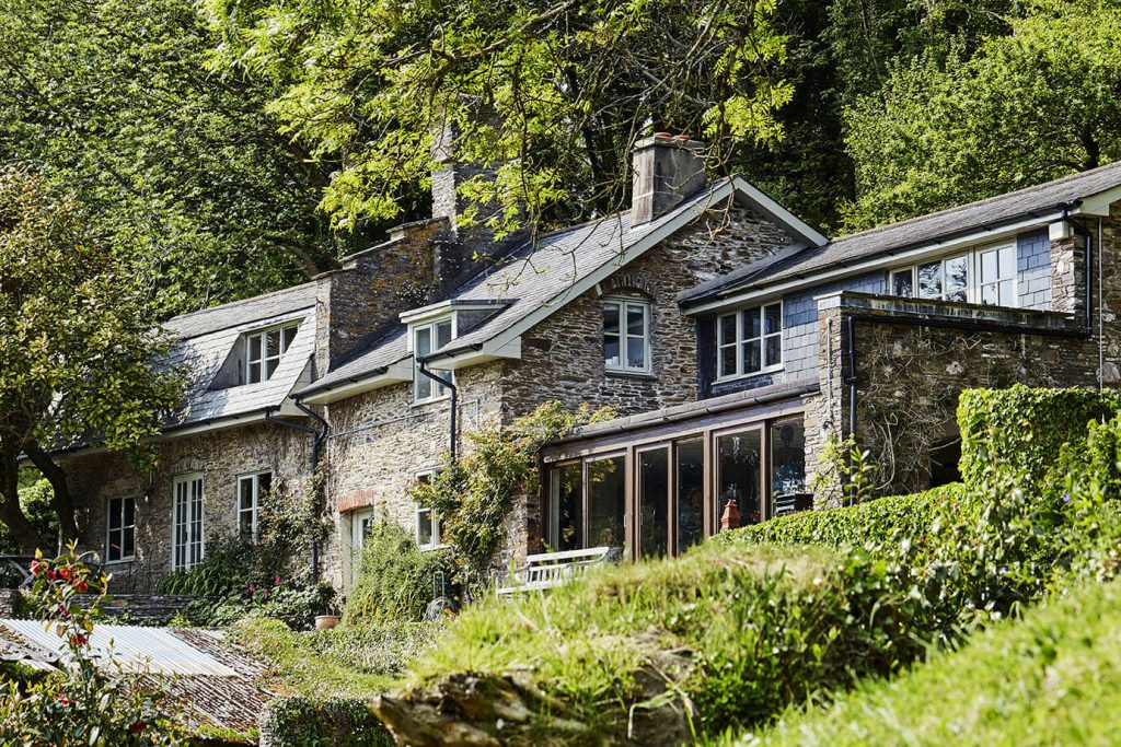 Charmante maison en pleine nature avec décoration ethnique chic