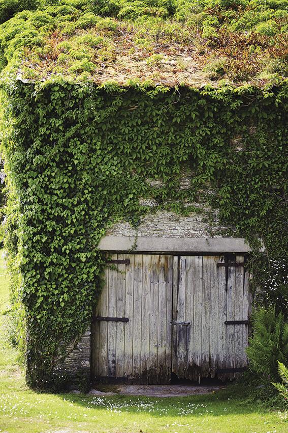 Porte de la grange d'une charmante maison, une idée déco récup