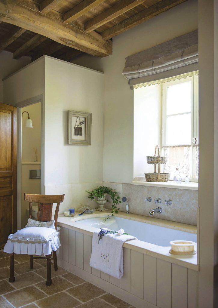 salle de bain à la déco maison de campagne chic