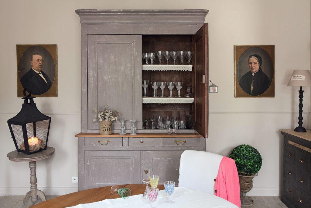 Armoire gris maison classique chic
