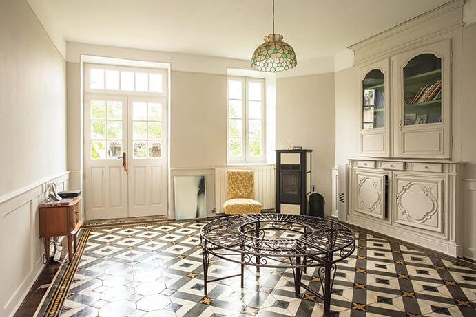 Une entrée à la décoration style vintage pour notre maison d'hôte