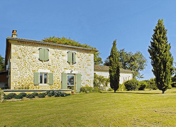 maison intelligente avec jardin