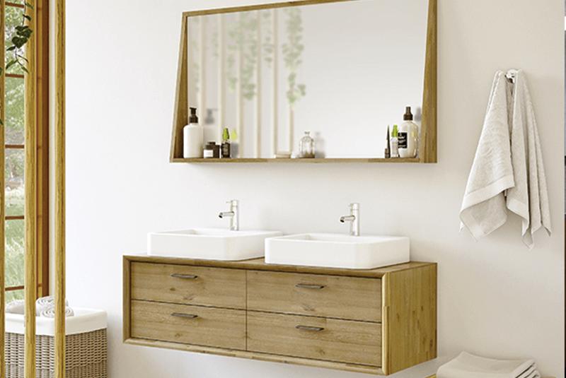 Gamme « Kensington » : meuble sous vasque à suspendre 2 ou 4 tiroirs en bois massif, 80 ou 120 x 38 x 46 cm ; miroir cadre assorti 80 ou 120 cm, à partir de 362 €, Allibert.