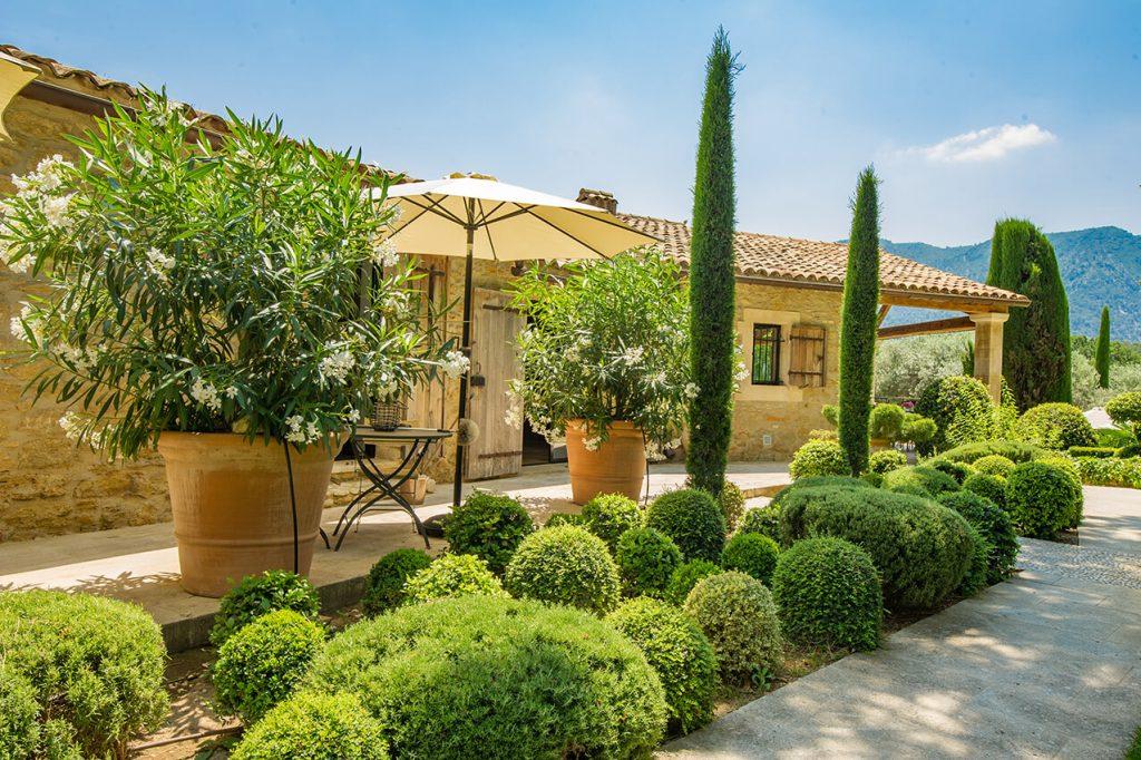 Terrasse maison de campagne au style provençal