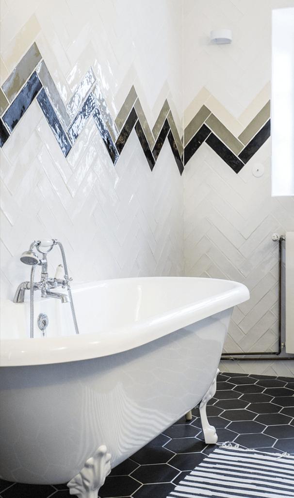 Salle de bain privative d'une maison d'hôte avec une déco maison de campagne chic