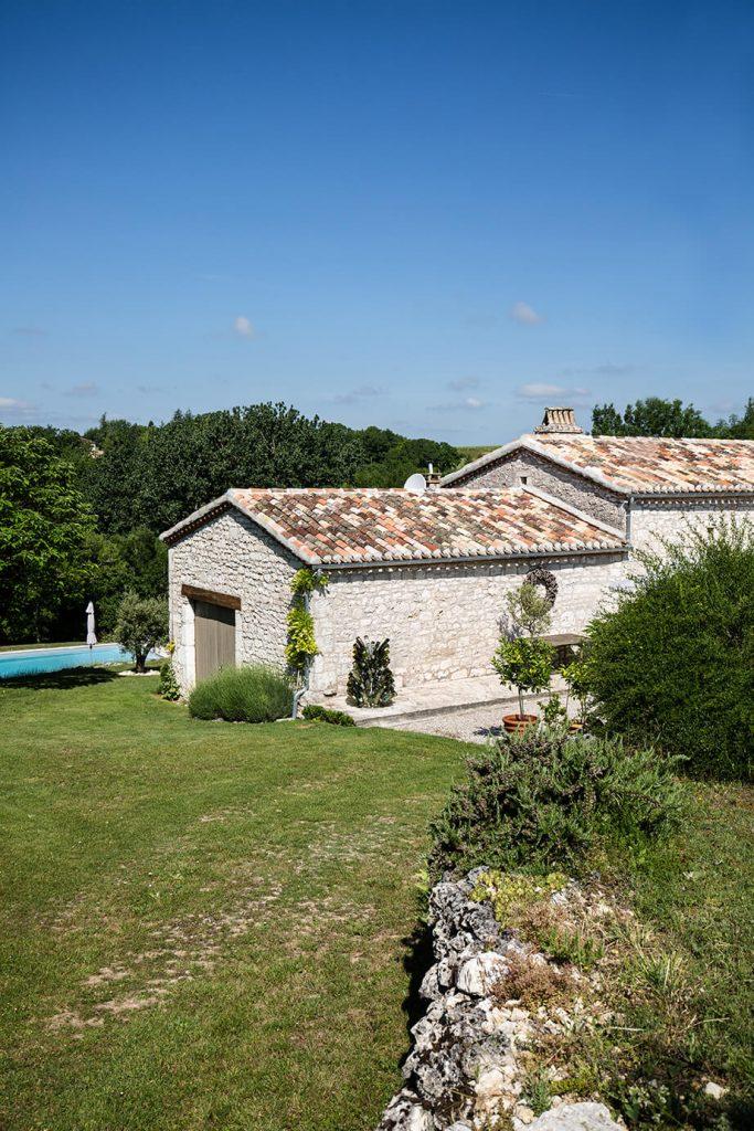 Maison de campagne avec piscine et jardin