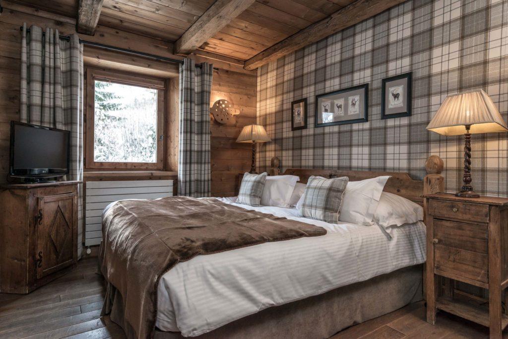 Chambre de charme classique dans une maison d'hote en bois