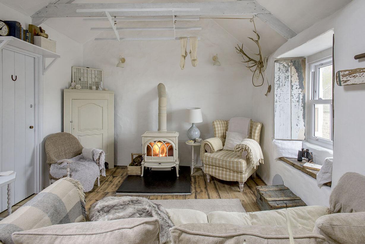 Un salon au style cottage shabby chic