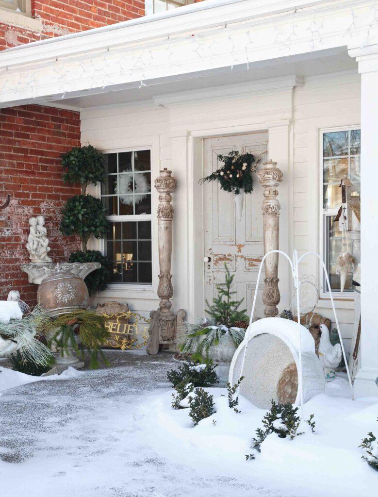 maison de Noël - Porch in the snow