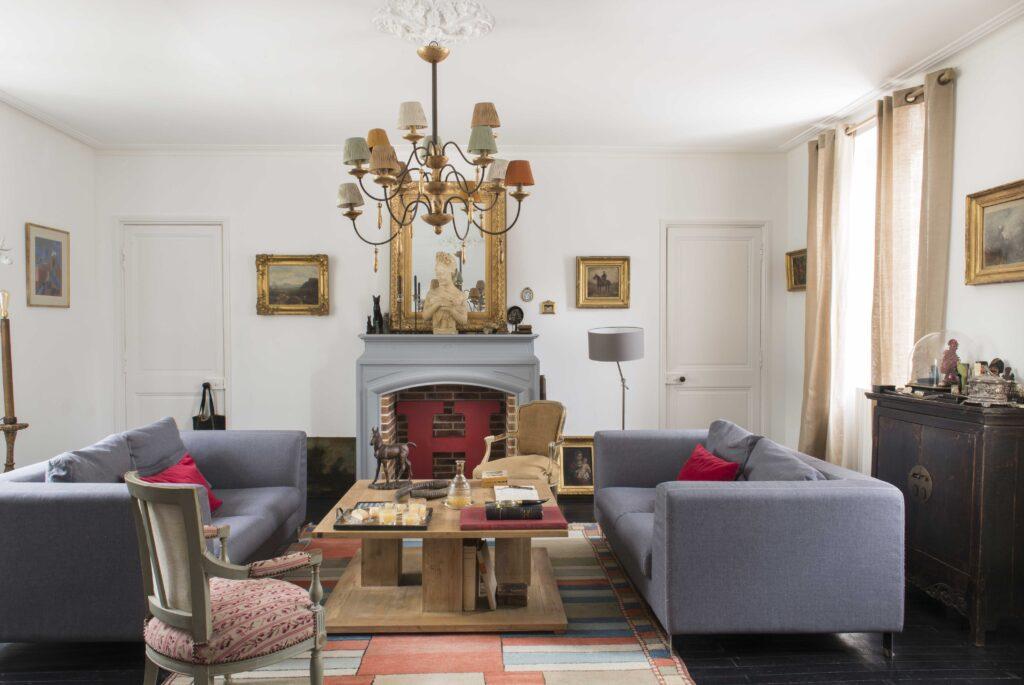 salon maison au style moderne classique