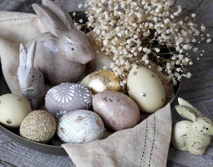 fête de Pâques déco oeufs et lapins