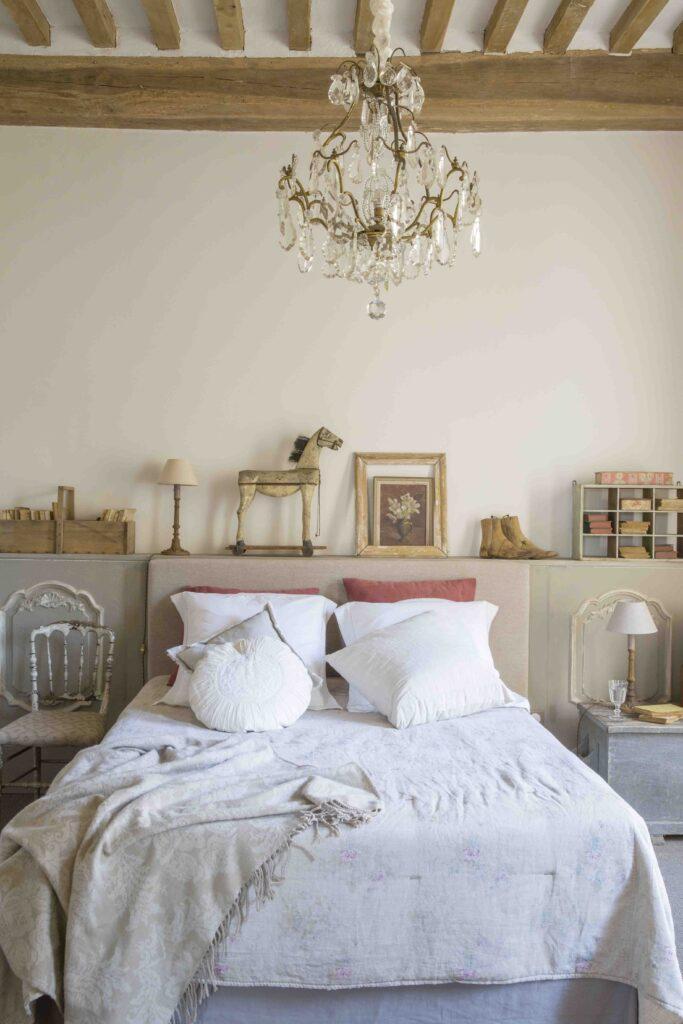 Chambre aux inspirations rustiques