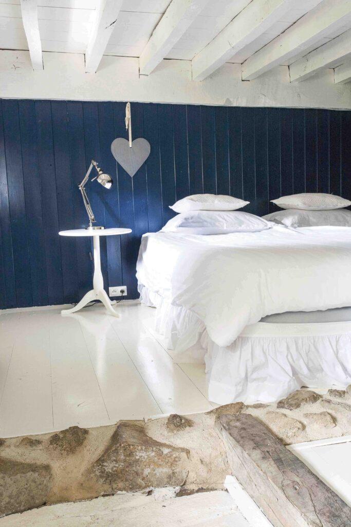 chambre bleu maison rustique
